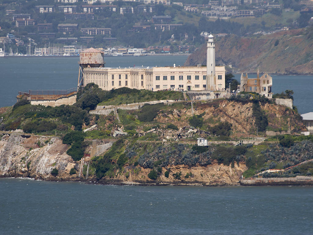 """Резултат с изображение за """"Затворът Алкатрас,"""""""