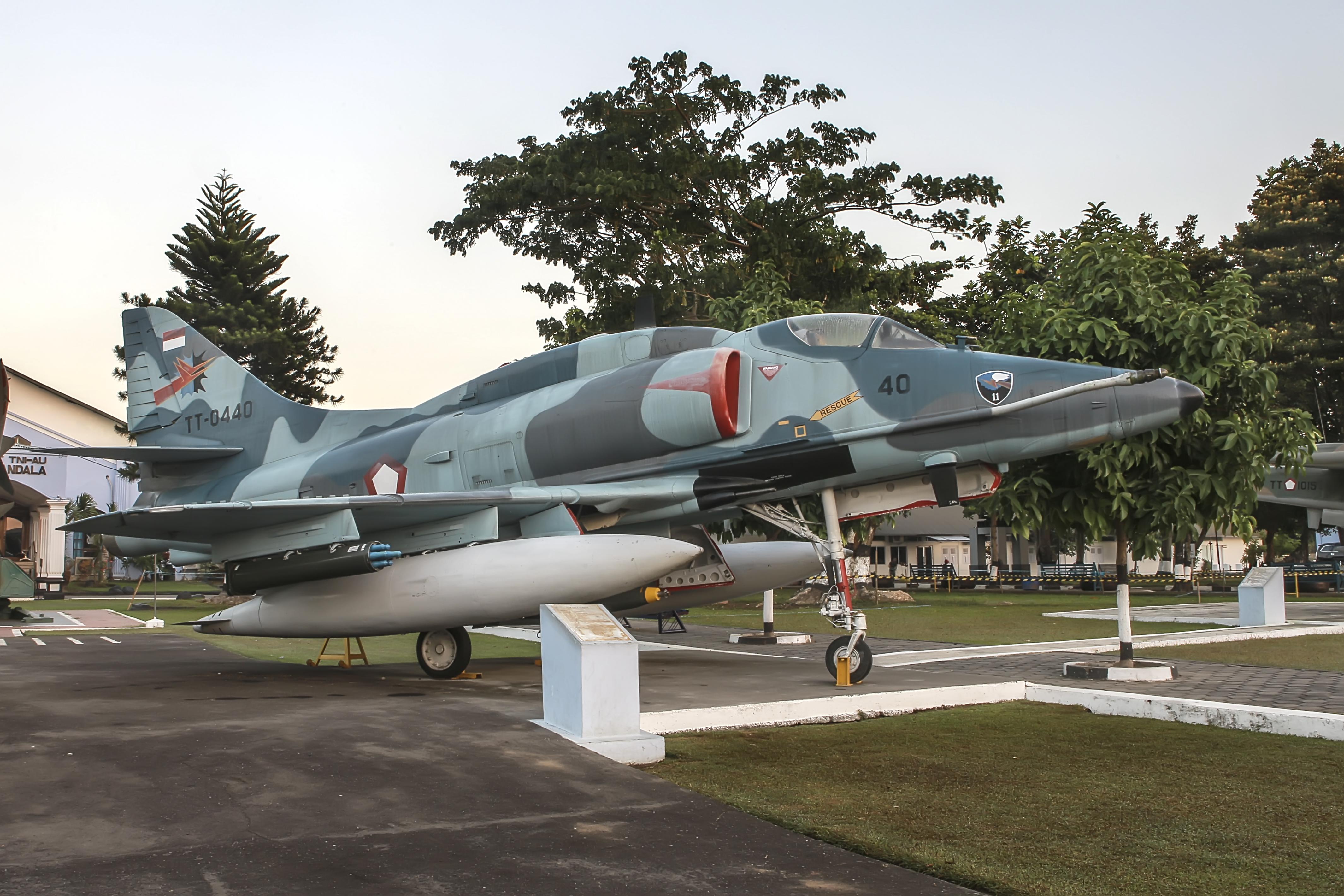 File:An Indonesian Air Force A-4-Skyhawk TT-0440 at Dirgantara Mandala Museum.jpg