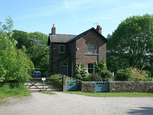 Aqueduct House - geograph.org.uk - 1355363