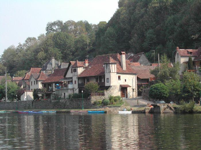 Fichier:Beaulieu sur Dordogne (2003).jpg