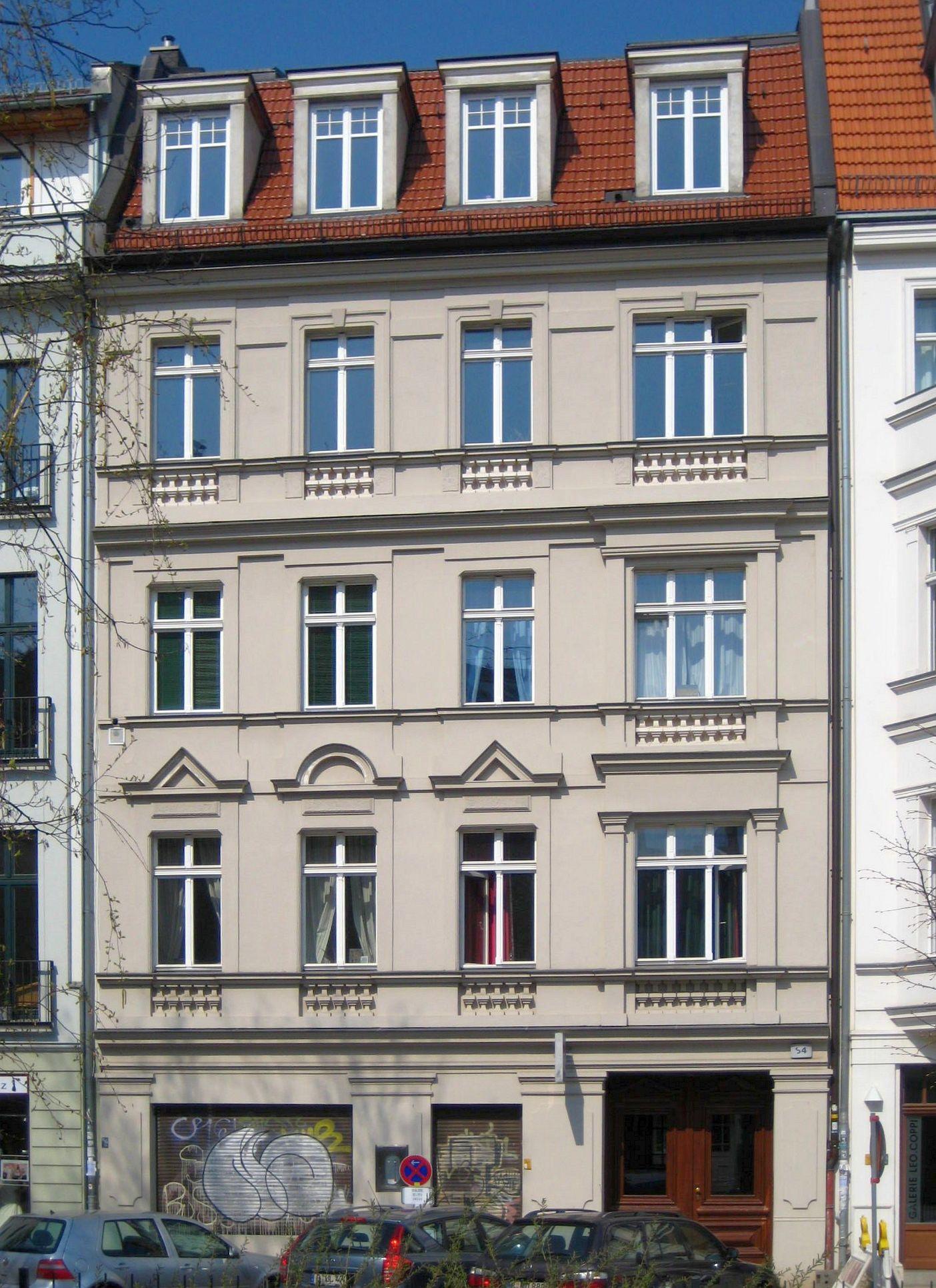 datei berlin mitte auguststrasse 84 wikipedia. Black Bedroom Furniture Sets. Home Design Ideas