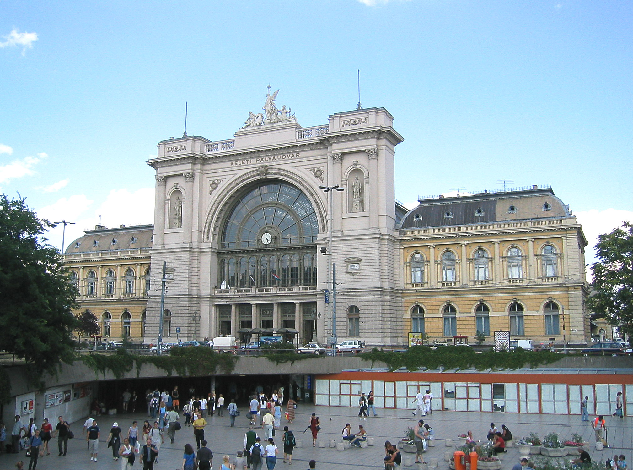 station budapest keleti wikiwand. Black Bedroom Furniture Sets. Home Design Ideas
