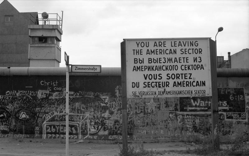 Bundesarchiv B 145 Bild-F078995-0032, Berlin, Berliner Mauer in Kreuzberg
