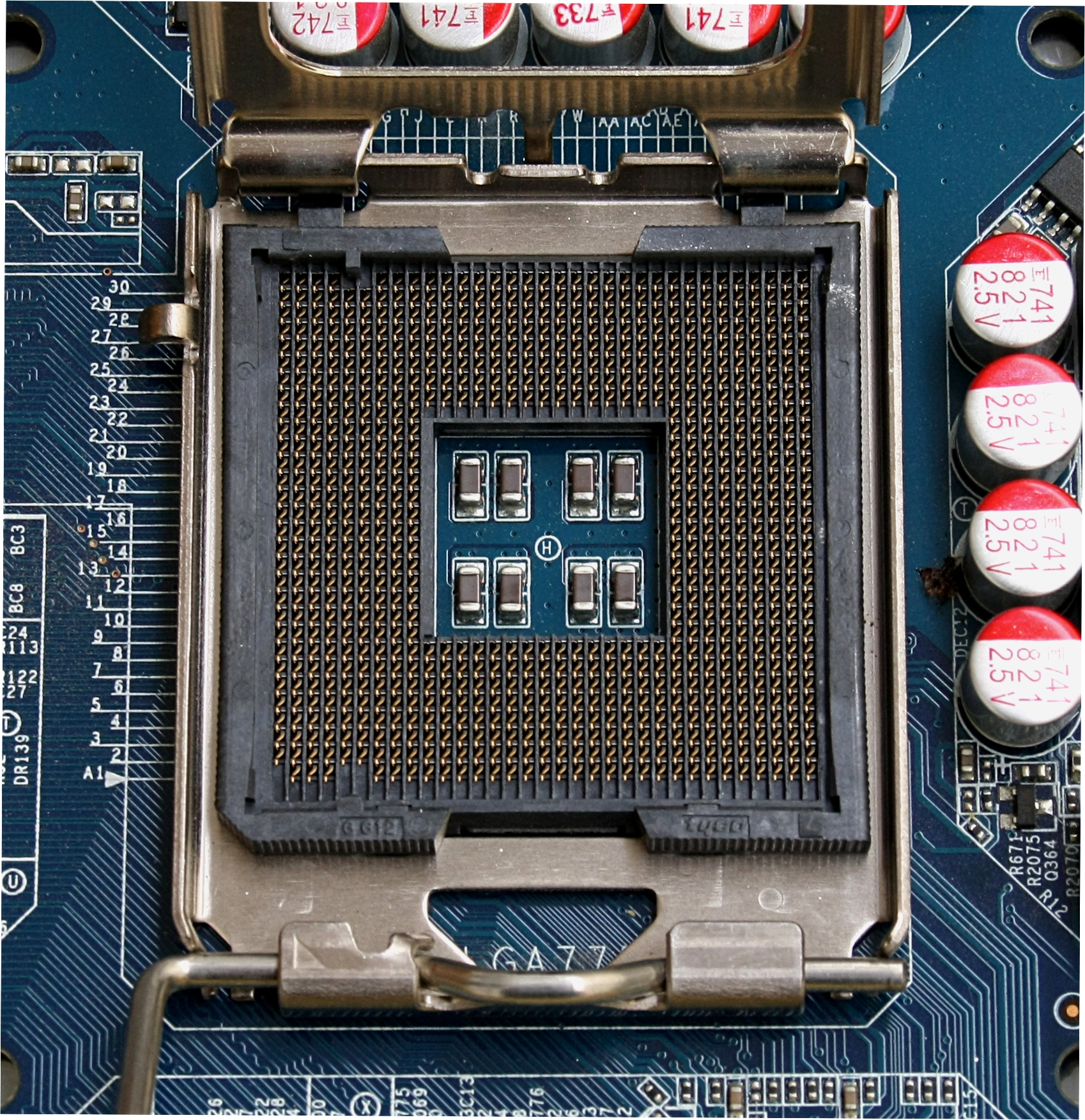 File:CPU Socket 775 T.jpg