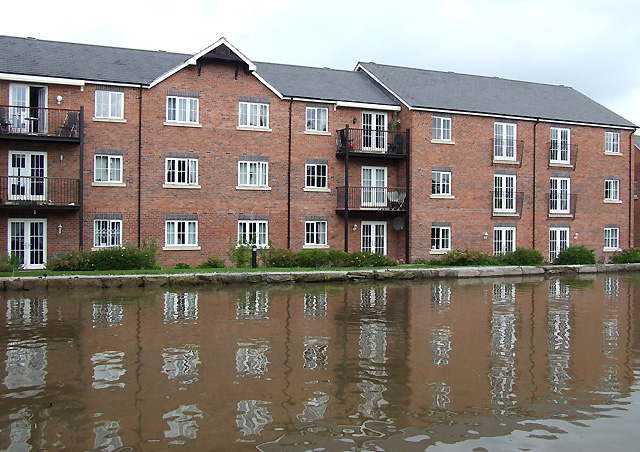 Canalside Housing, Congleton, Cheshire - geograph.org.uk - 544656