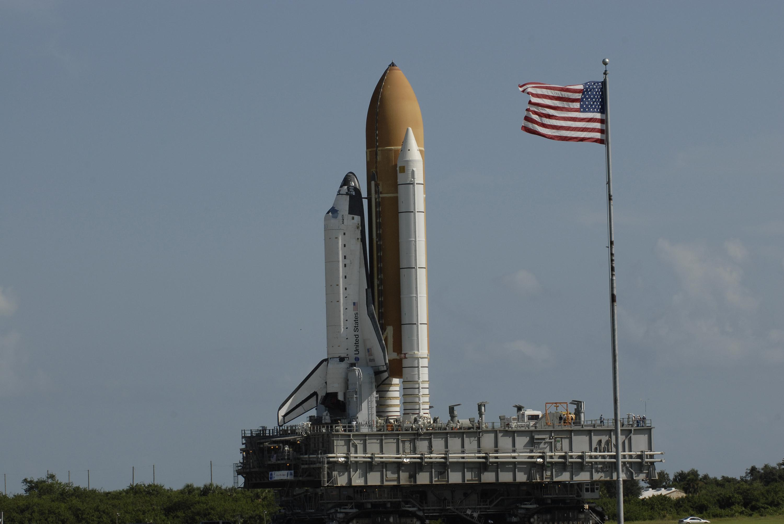 space shuttle on launchpad - photo #28