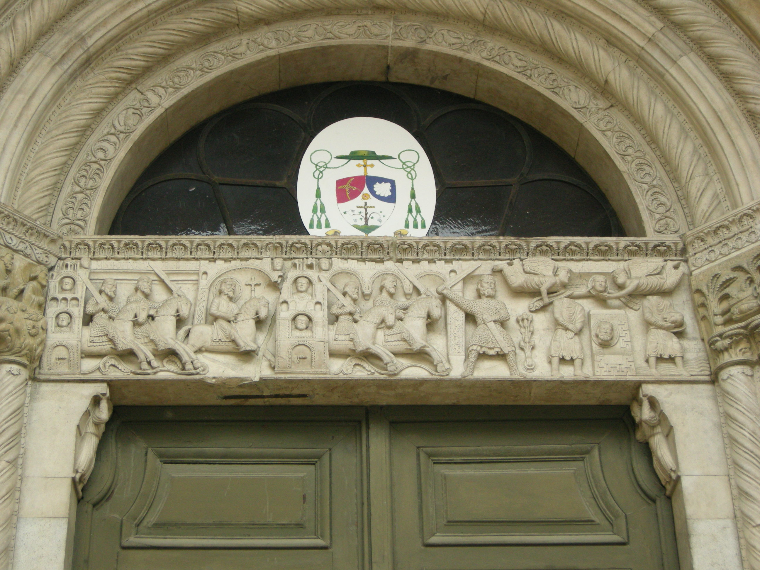 File duomo di fidenza sculture del portale for 2 negozio di storie con alloggi