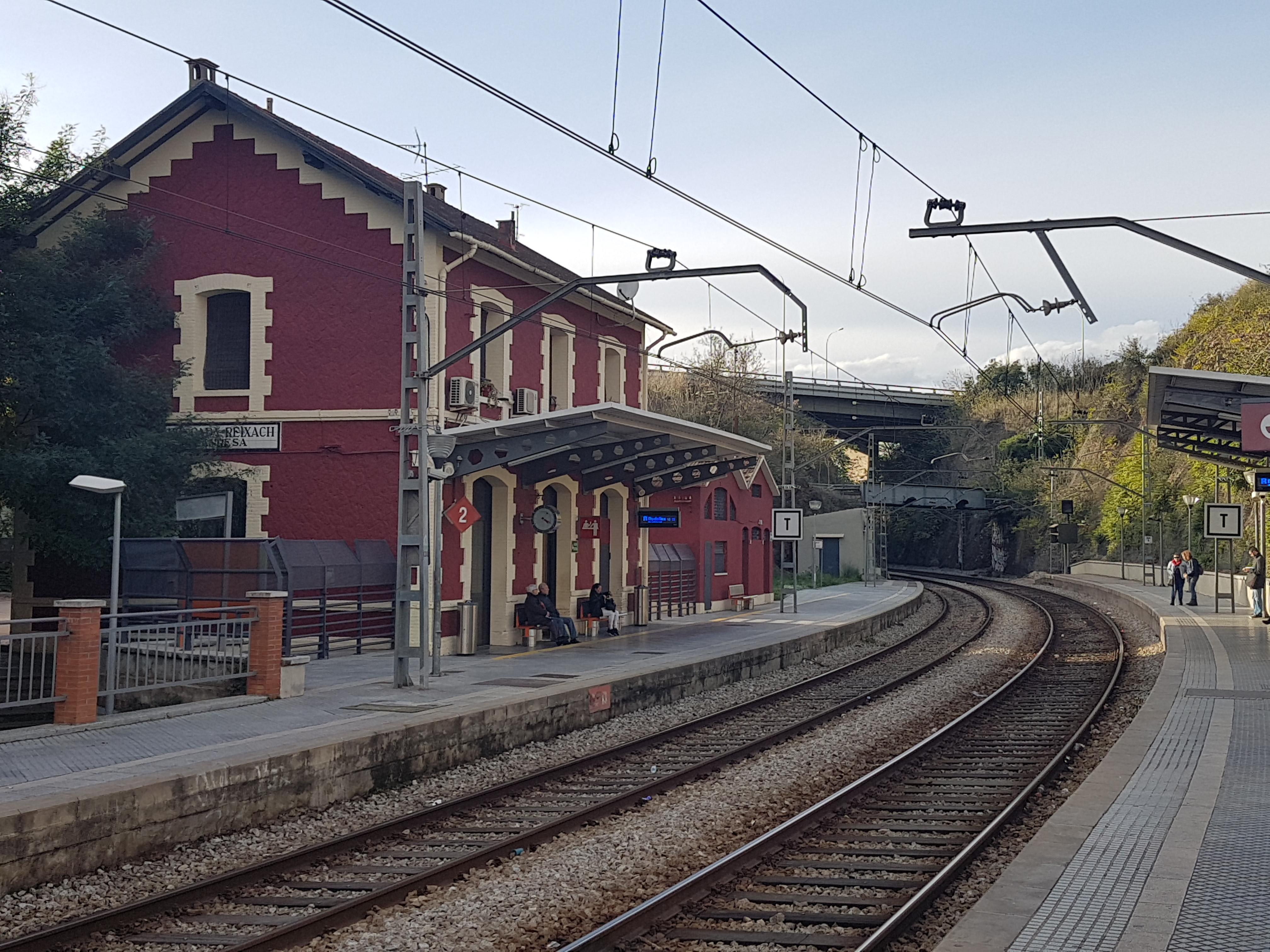 Estación De Moncada Y Reixach Manresa Wikipedia La Enciclopedia Libre