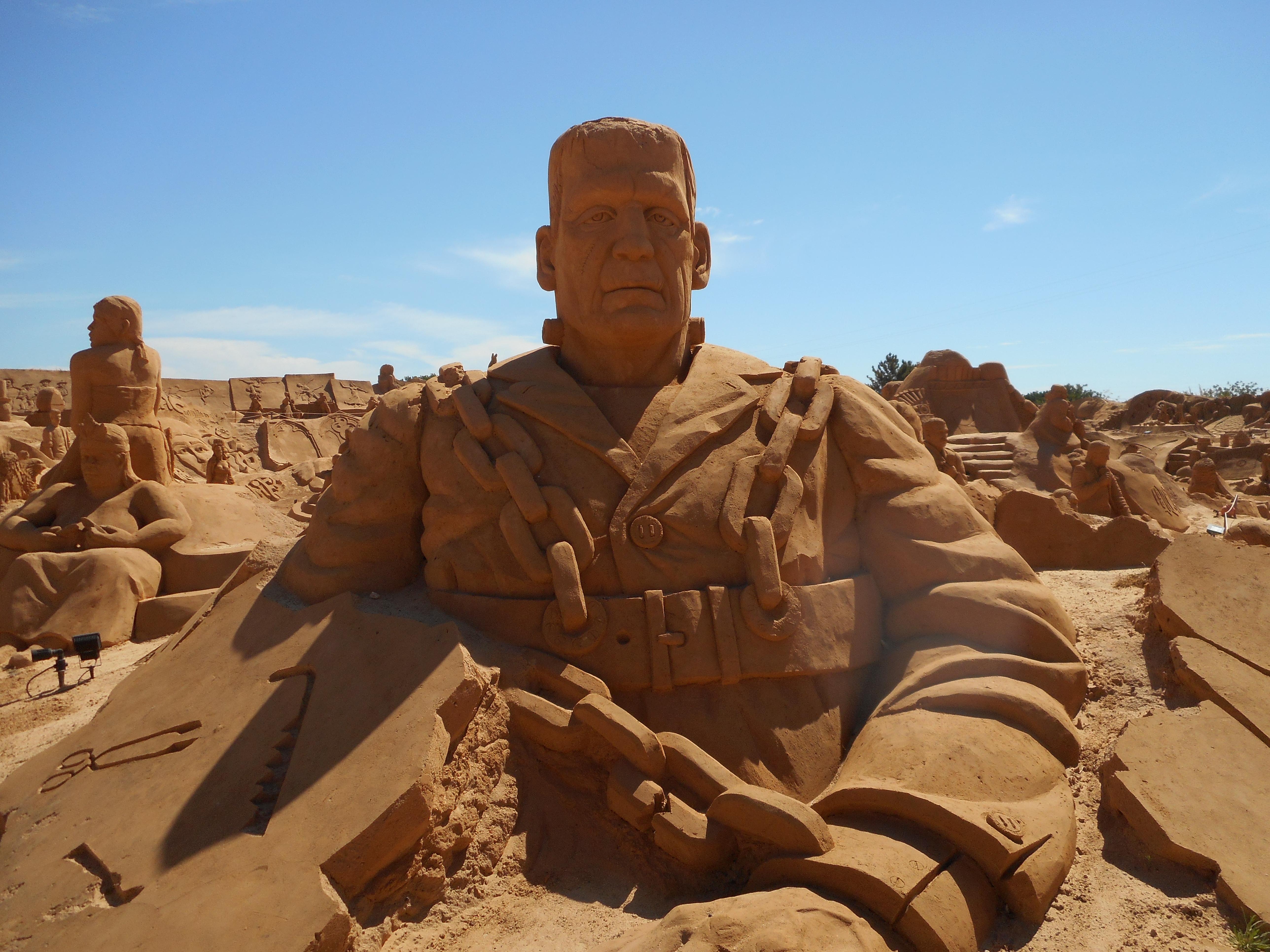 file festival internacional de esculture em areia