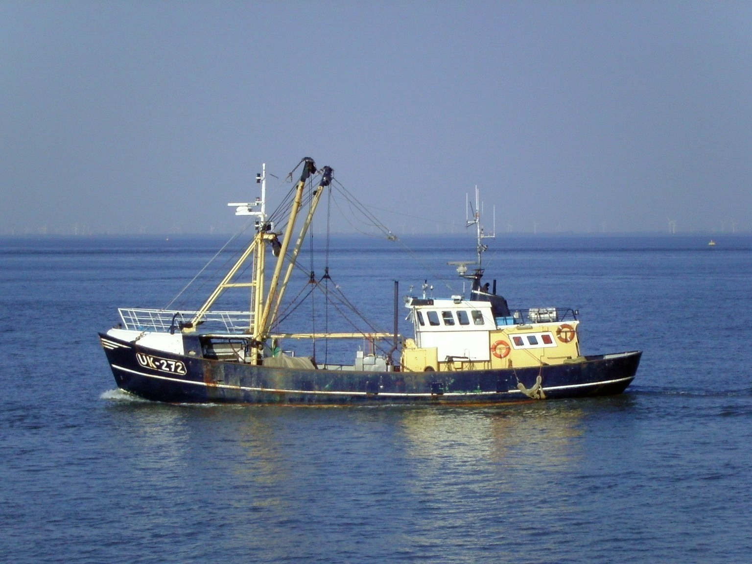 Fishing vessel pictures to pin on pinterest pinsdaddy for How to ship fish
