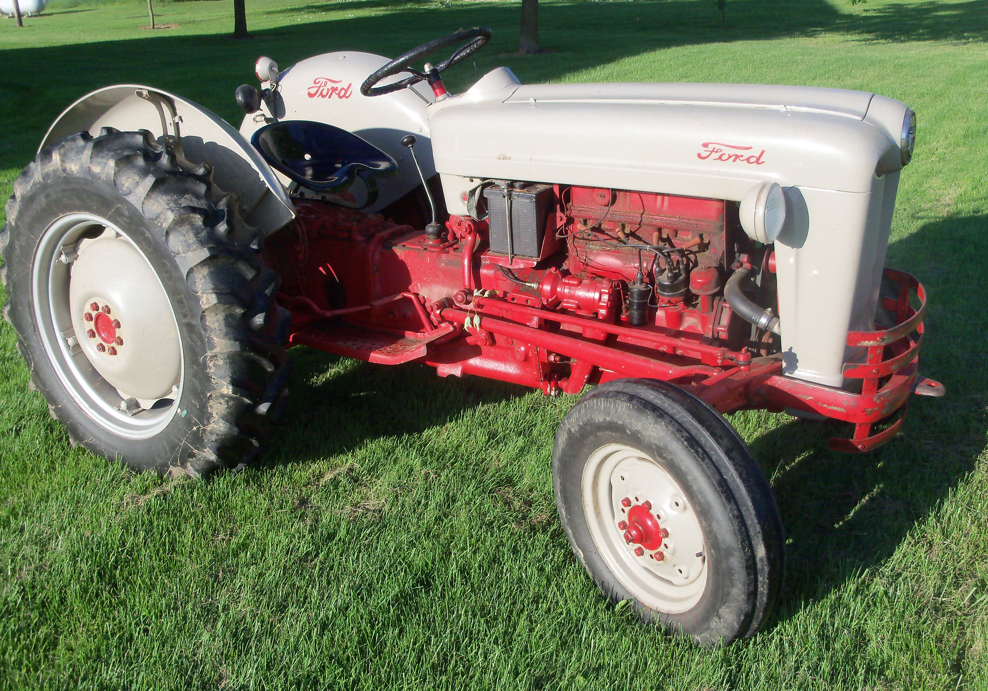 1956 Ford 640 Tractor Fenders : File ford g wikimedia commons