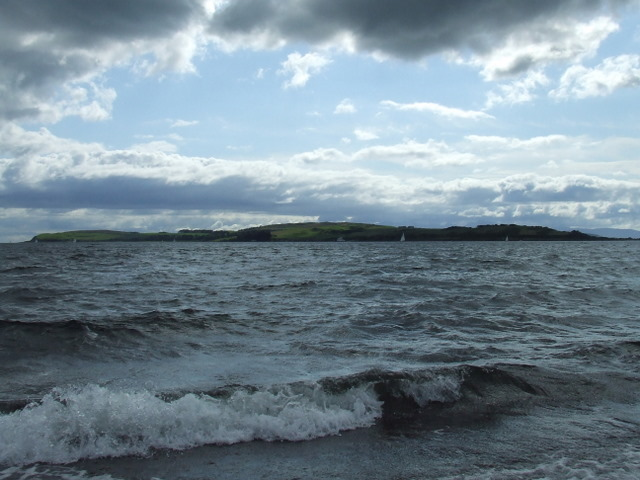 File:Great Cumbrae - geograph.org.uk - 943711.jpg