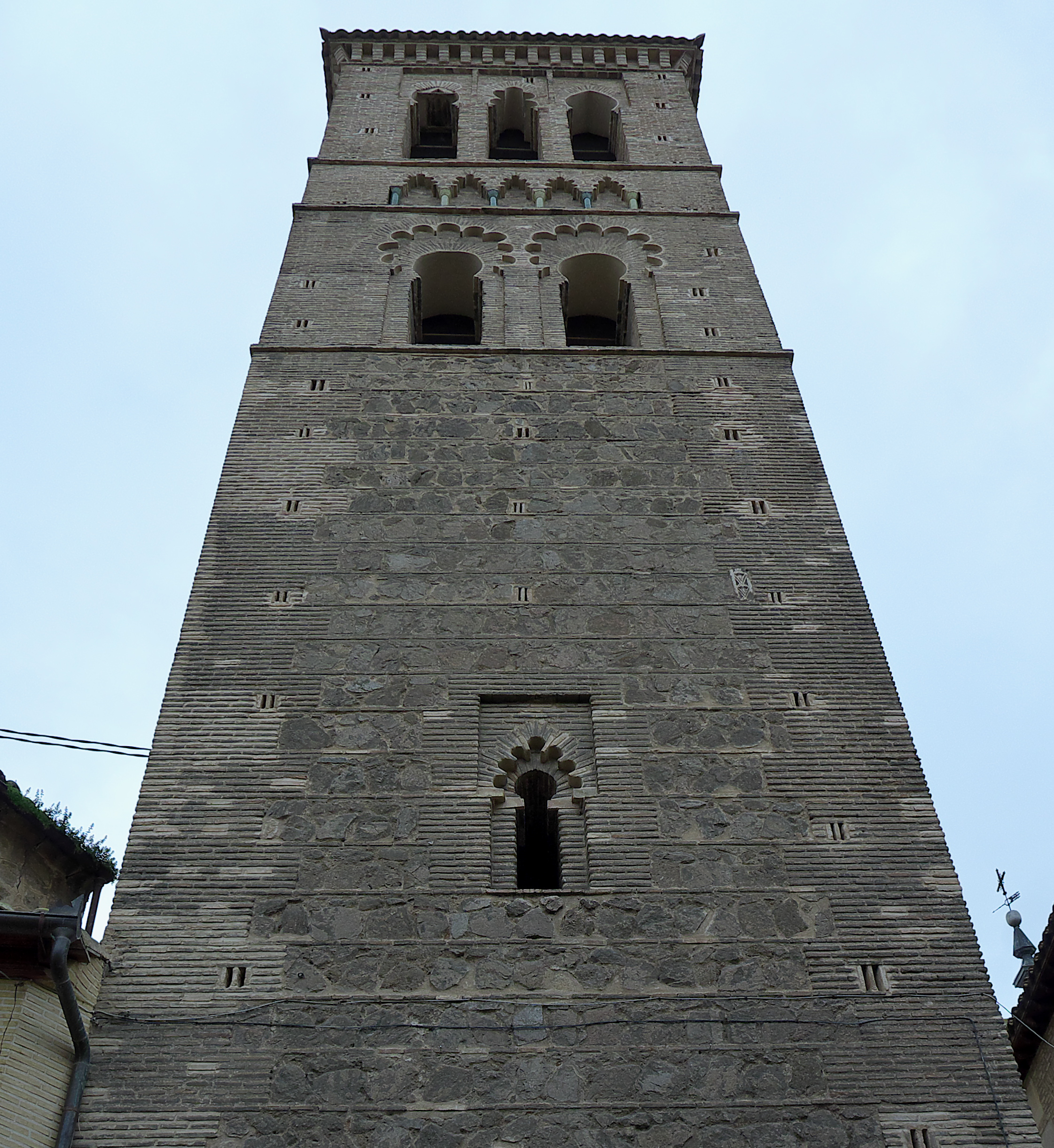 File:Iglesia de Santo Tomé (Toledo). Torre.jpg - Wikimedia ...