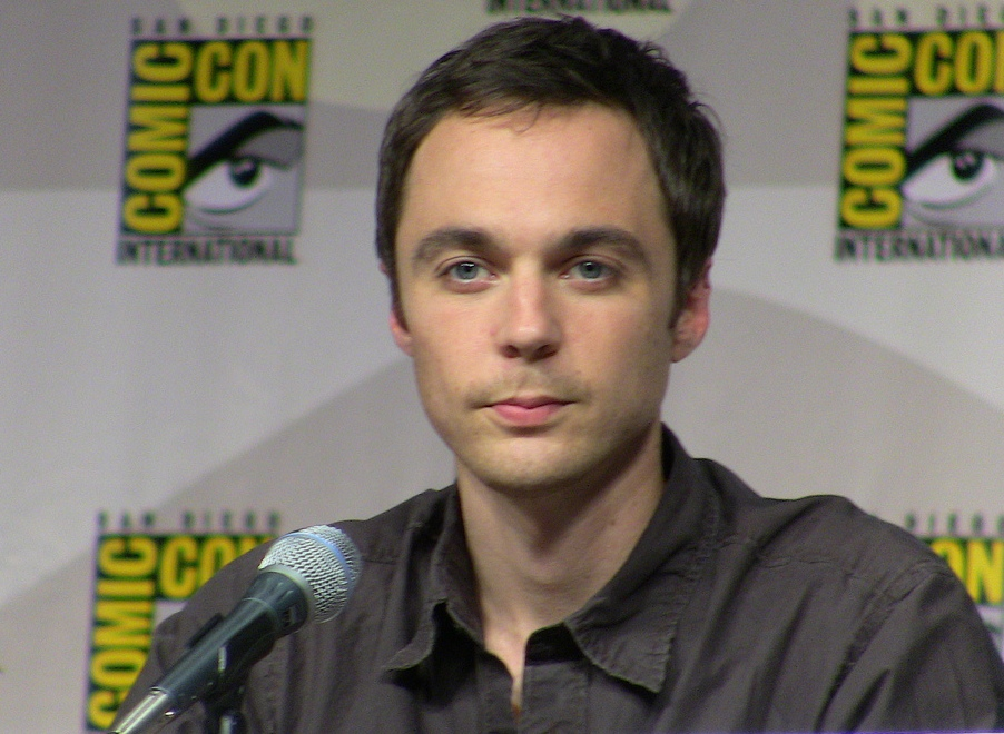 Description Jim Parsons Comic Con.jpg