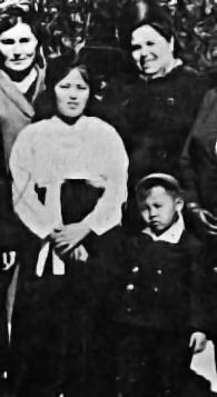 Kim_Jong-suk_and_Kim_Jong-il.jpg