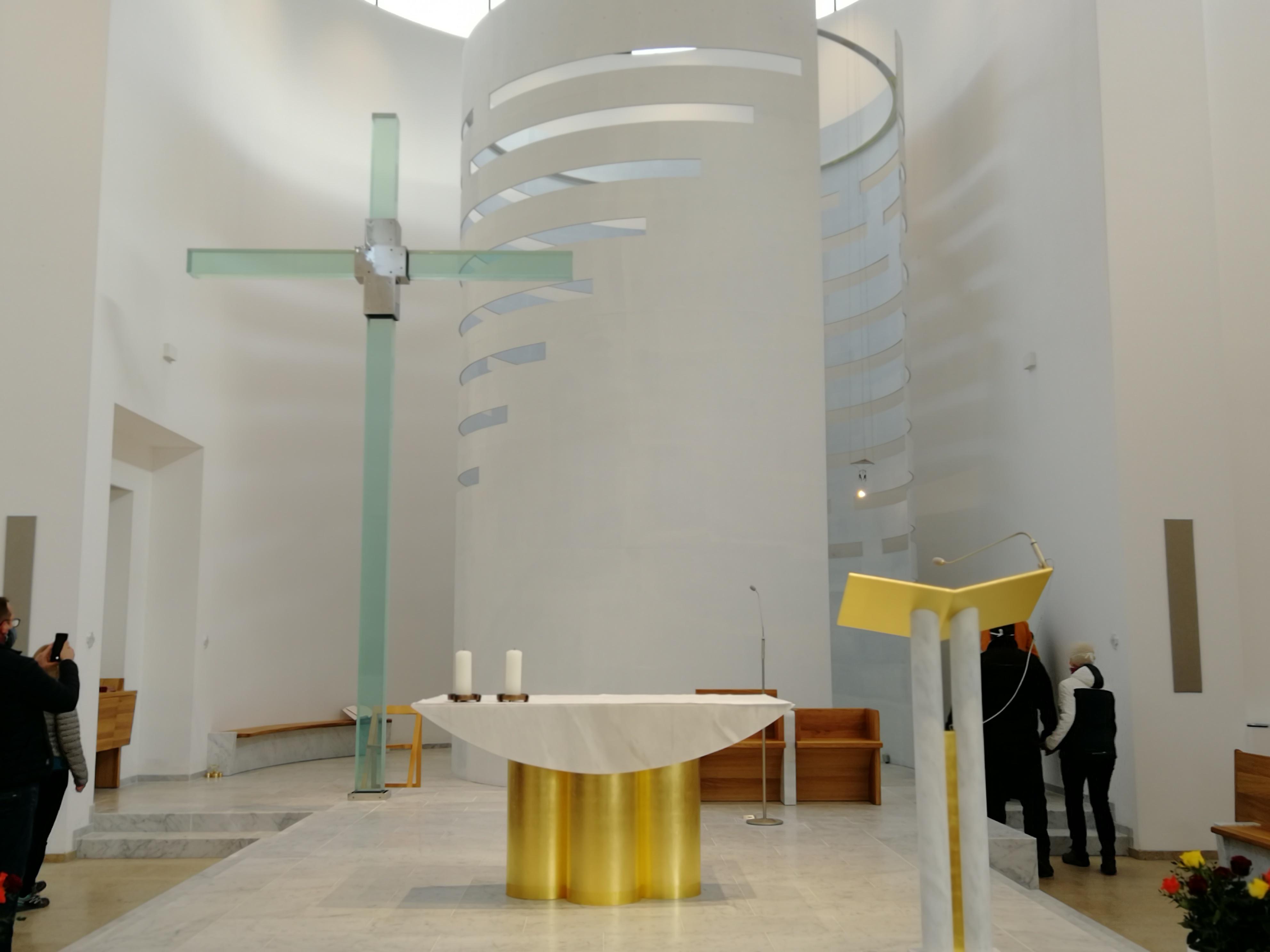 Soubor:Kostel Krista Spasitele (Praha - Barrandov).1.jpg – Wikipedie
