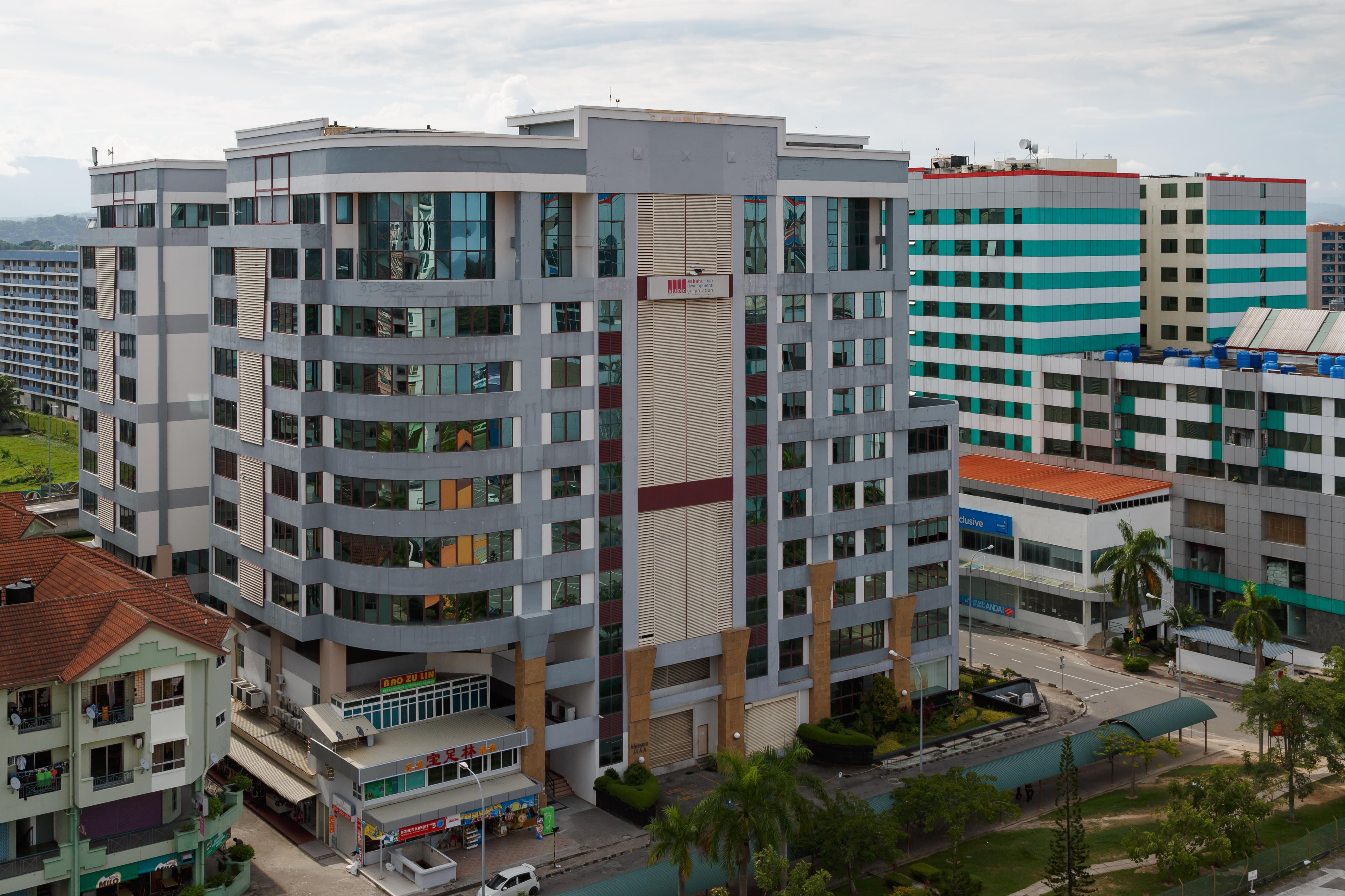 Filekota Kinabalu Sabah Malaysia Aussurance Alliance Tower 01jpg