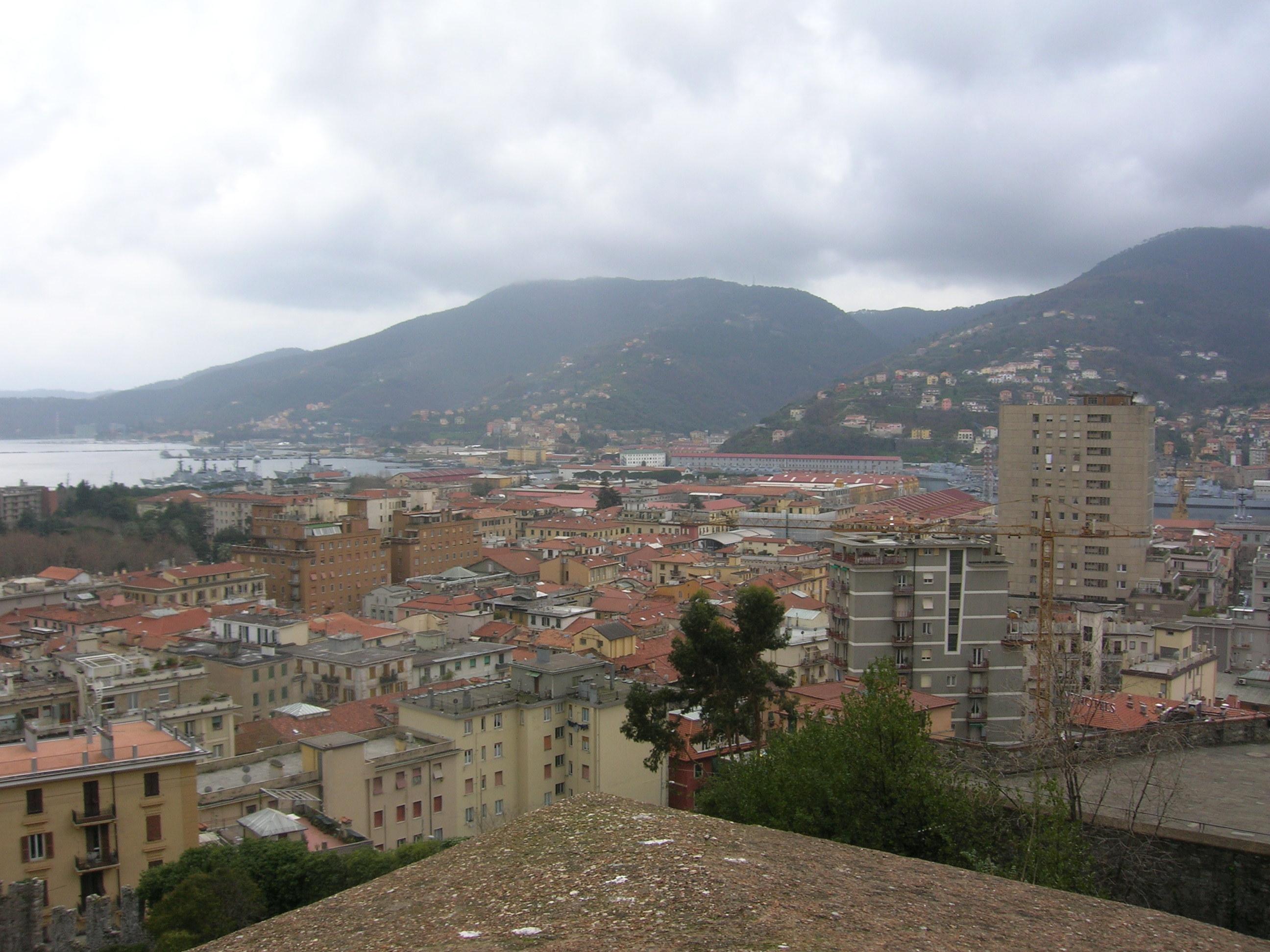 File:La Spezia - Castello San Giorgio - scorcio sulla città 1.JPG ...