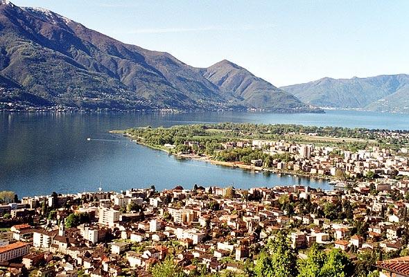 Locarno et le lac Majeur.