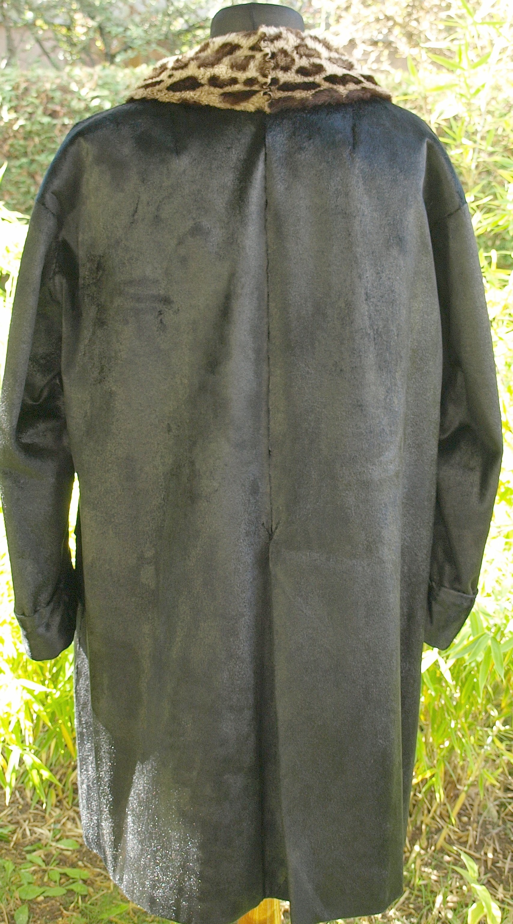 File:Lakoda Seal fur coat (6).jpg - Wikimedia Commons