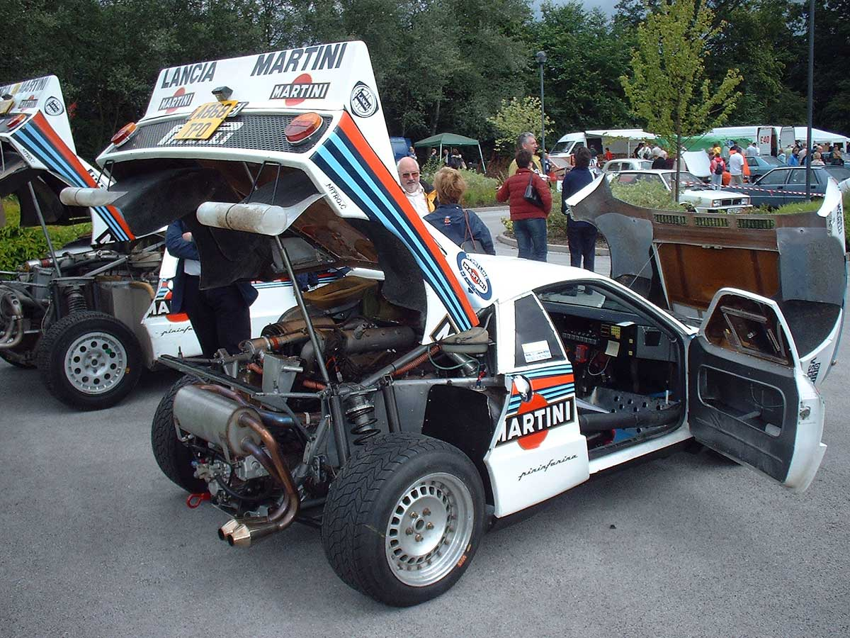 http://upload.wikimedia.org/wikipedia/commons/0/05/Lancia_Rally_037_18.jpg