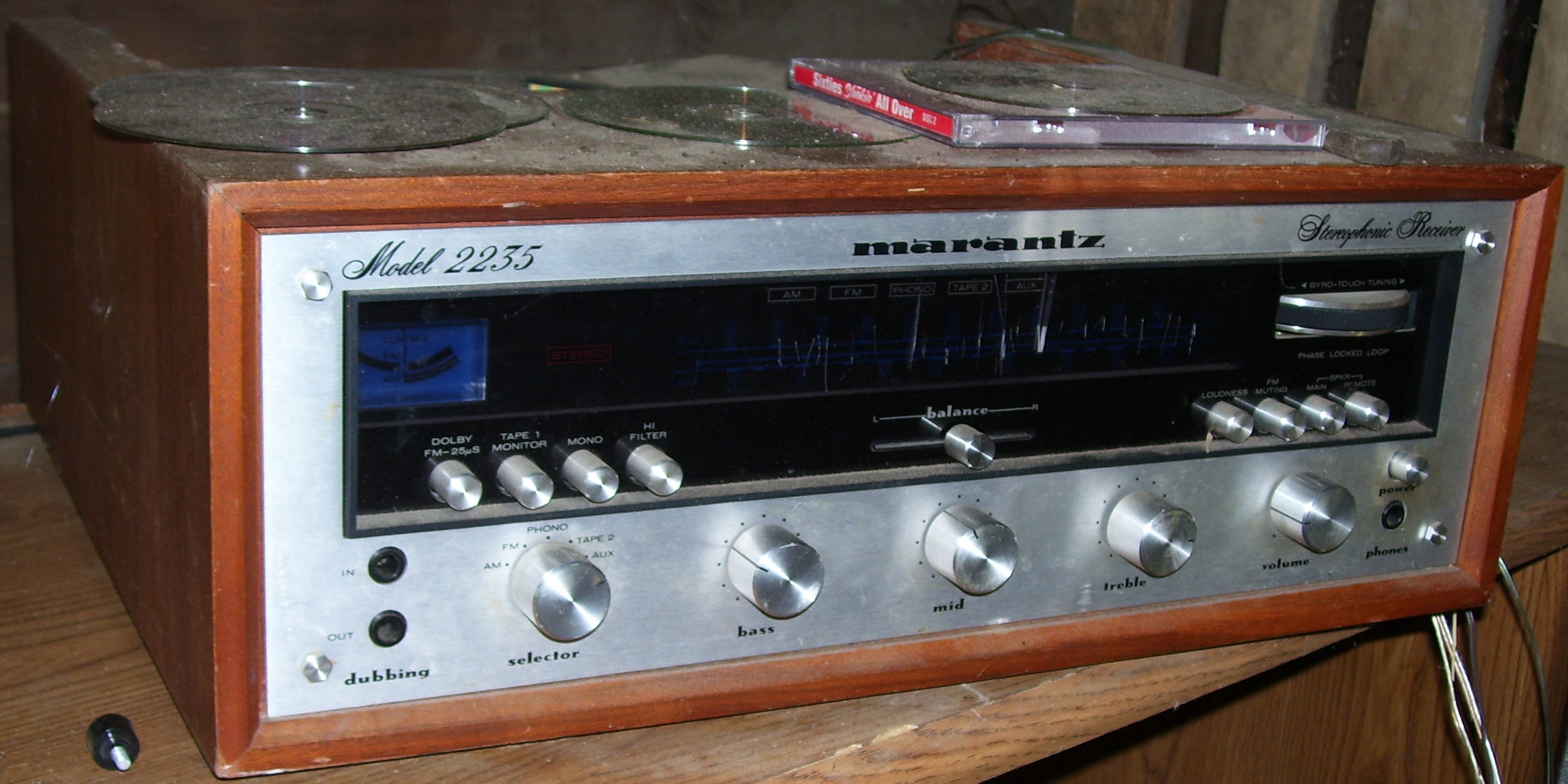 File:Marantz Model 2235.jpg - Wikimedia Commons