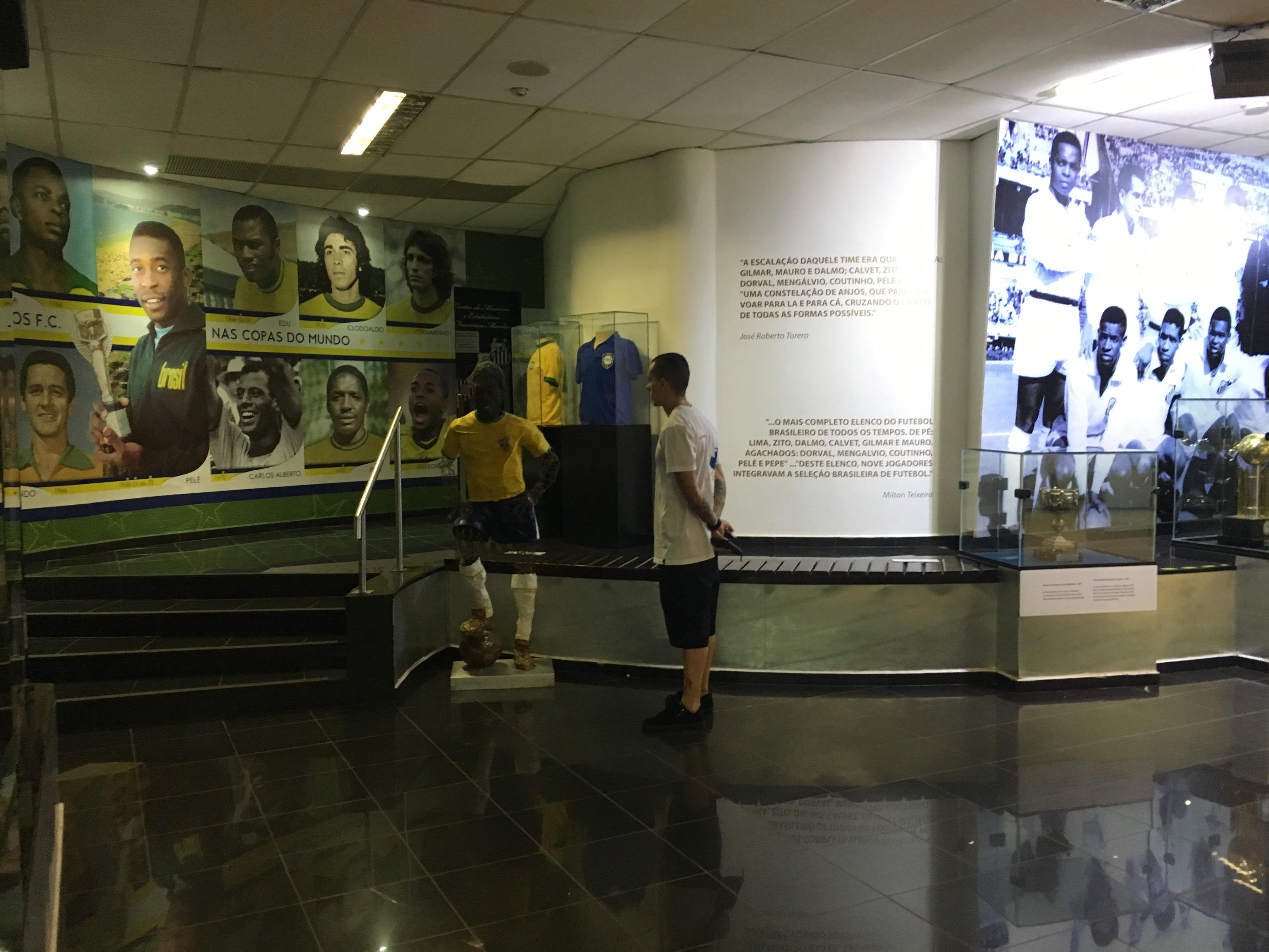 File Memorial das Conquistas - Santos Futebol Clube 26.jpg ... c75ab9cdf51e0