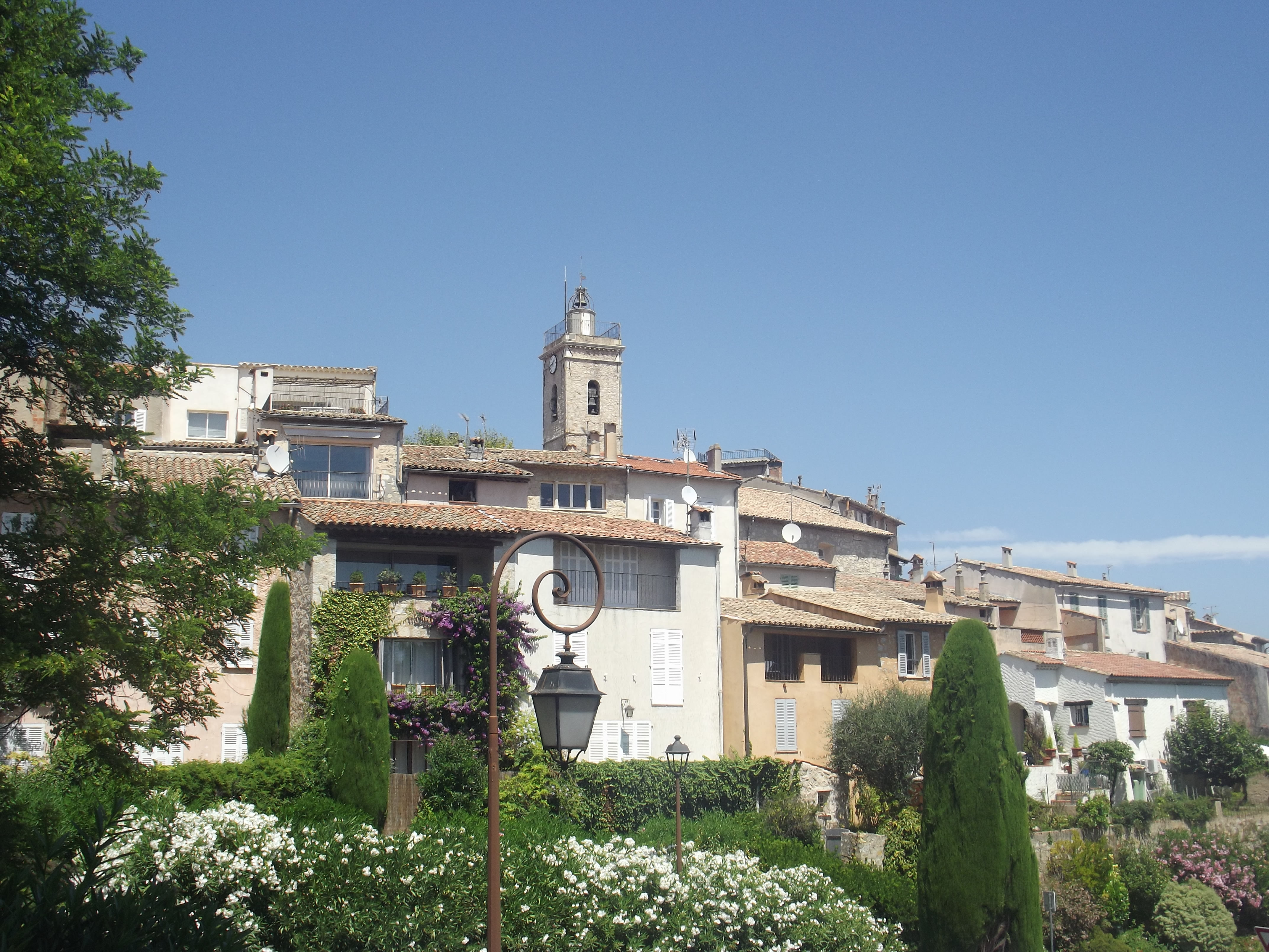 Mougins France  city photos gallery : Mougins village 06 Wikimedia Commons