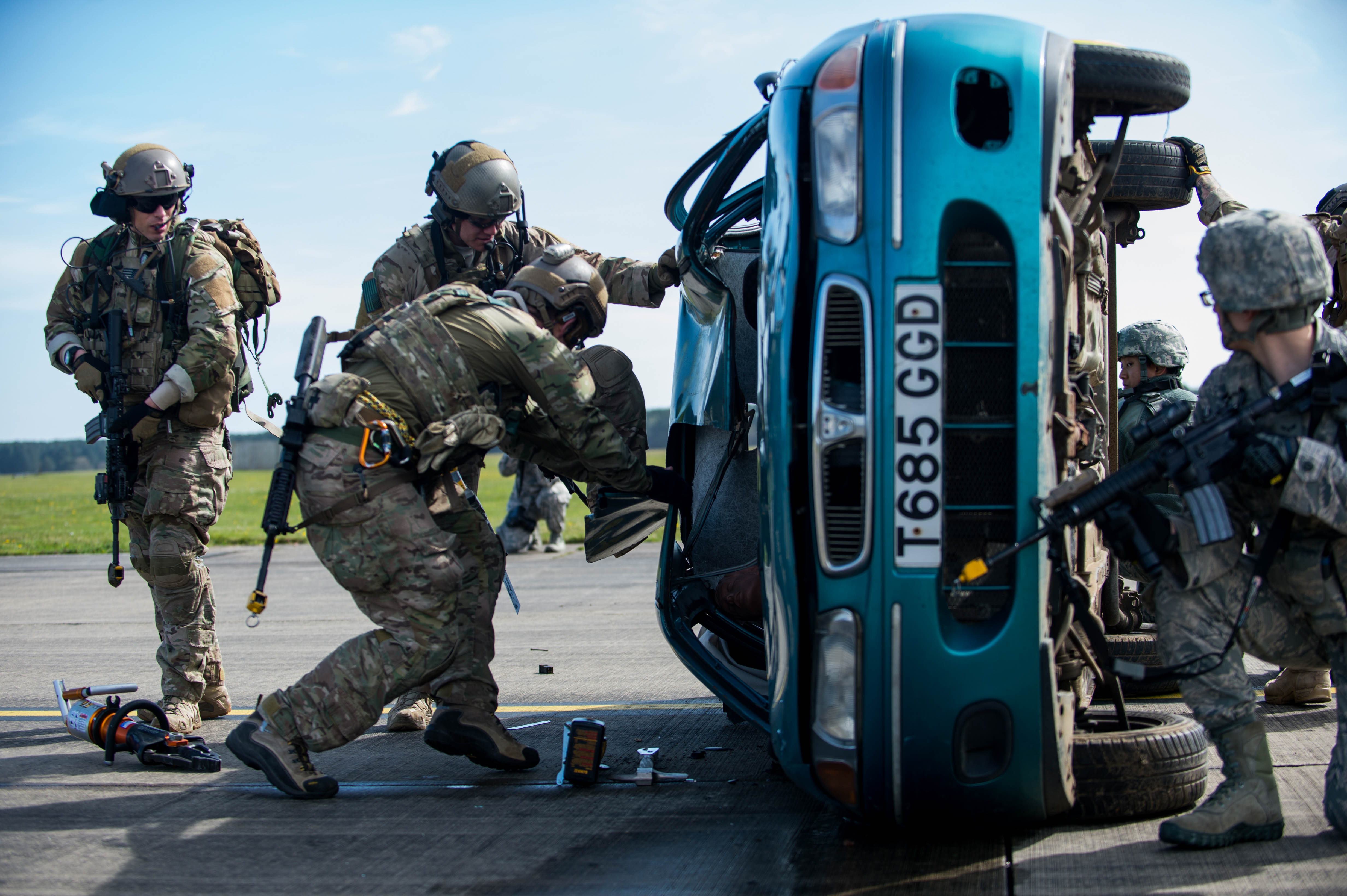air force helicopters with File Pararescuemen Assigned To The 57th Rescue Squadron Use The Jaws Of Life To Tear Apart A Vehicle 27s Roof To Remove A Mock Victim on H225M 50 likewise Open photo in addition Open photo furthermore Aircraft moreover Douglas Skyraider Ad 4na.