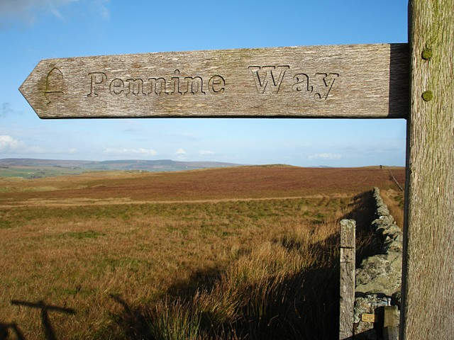 Pennine Way goes north - geograph.org.uk - 1567872