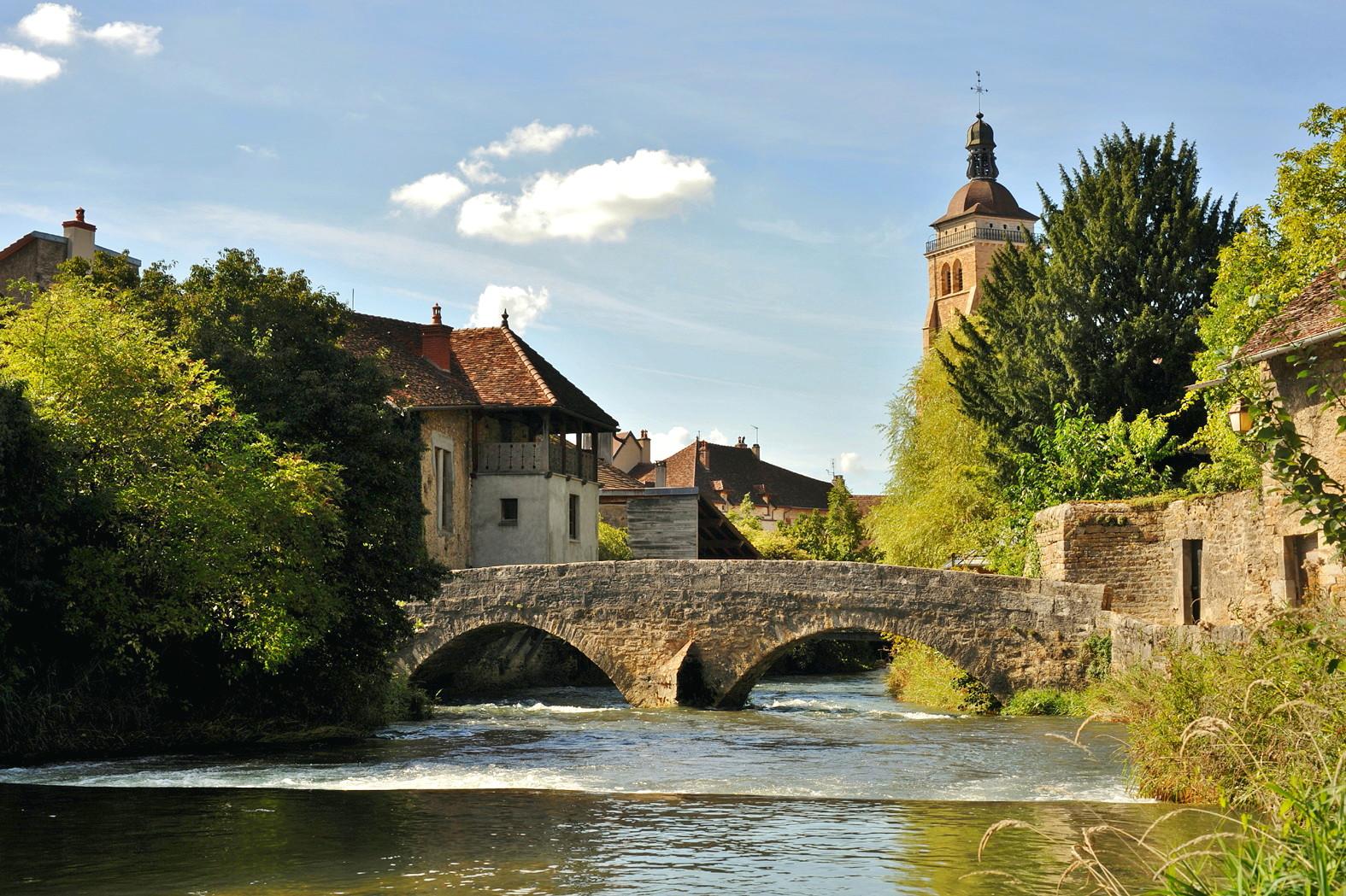 Pont_des_Capucins,_Arbois_01_10.jpg
