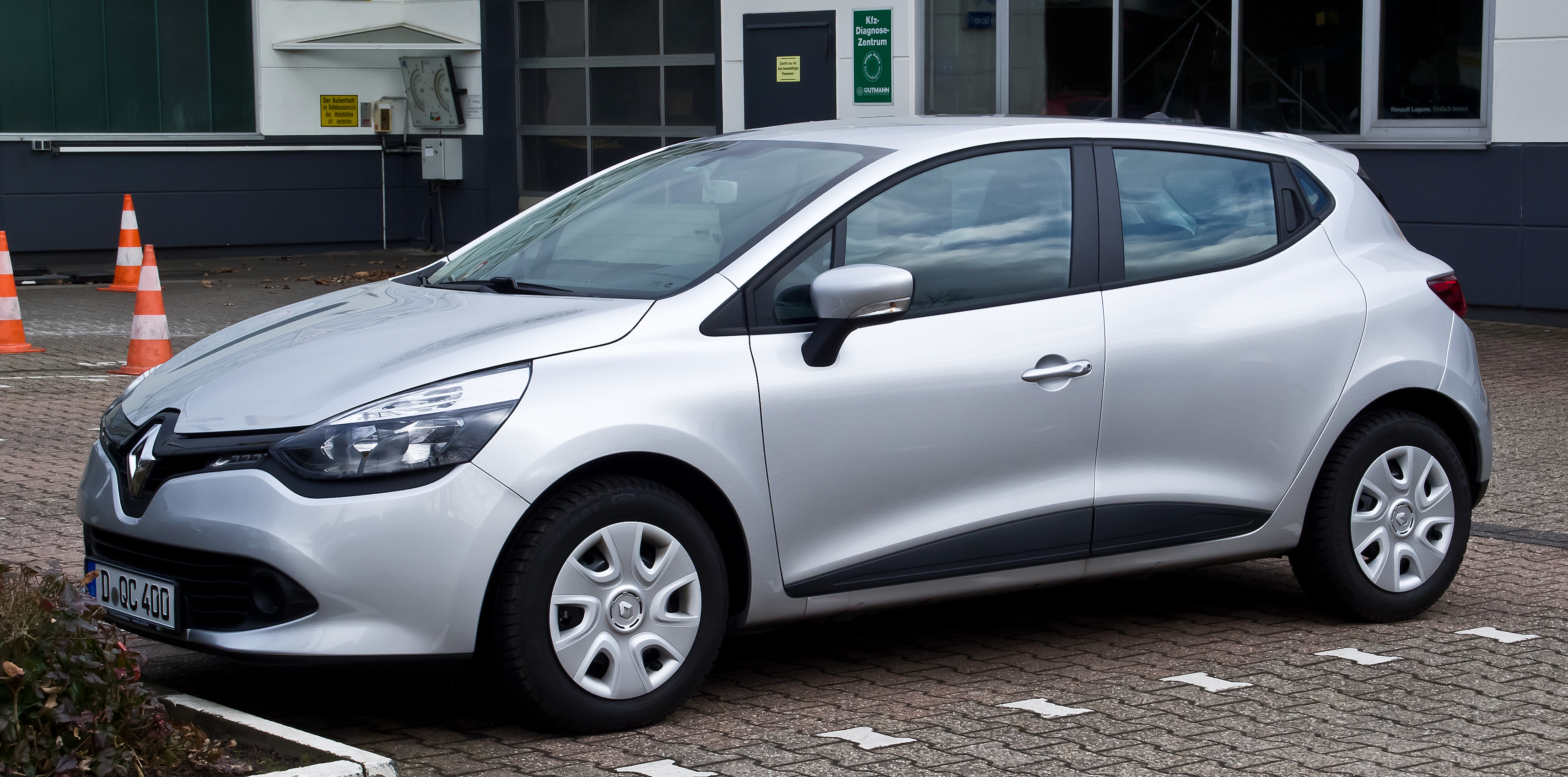 file renault clio expression iv frontansicht 17 m rz 2013 wikimedia commons. Black Bedroom Furniture Sets. Home Design Ideas