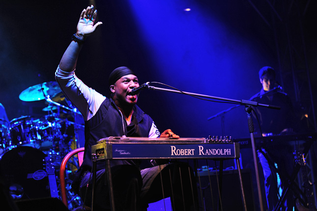 File:Robert Randolph and The Family Band @ Fremantle Park (17 4 2011) (5648771264).jpg