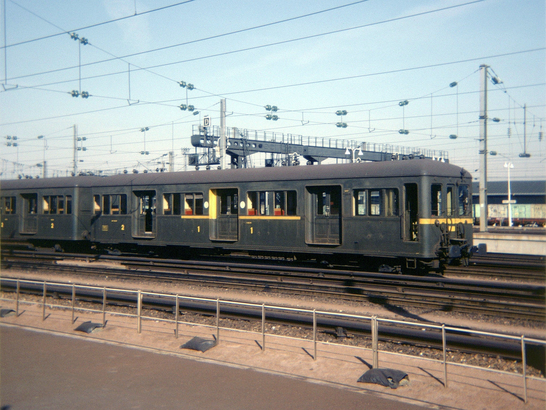 File:Standard Batignolles sept 1976-c.jpg - Wikimedia Commons