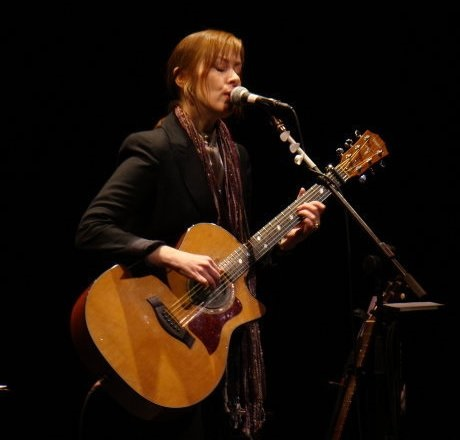 Suzanne Vega [Wikipedia] - Curious Minds Podcast