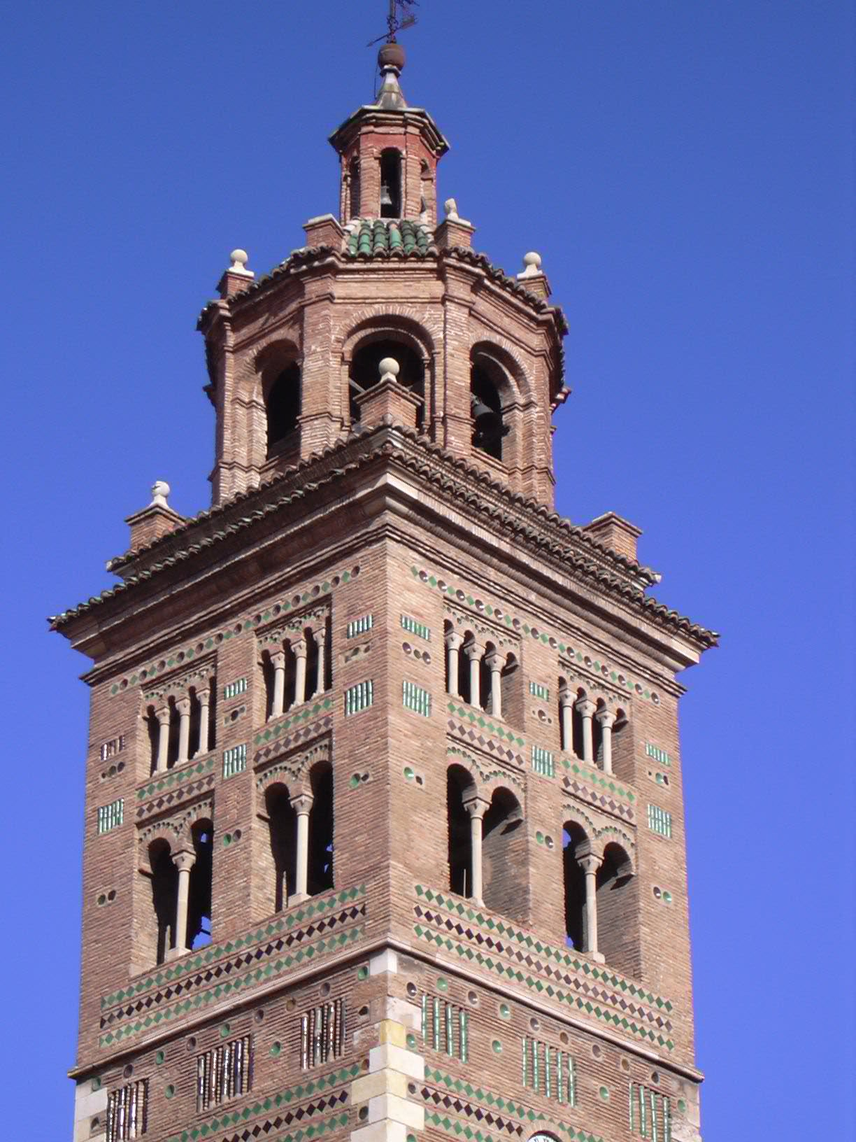Архитектура мудехара в Арагоне (Теруэль)