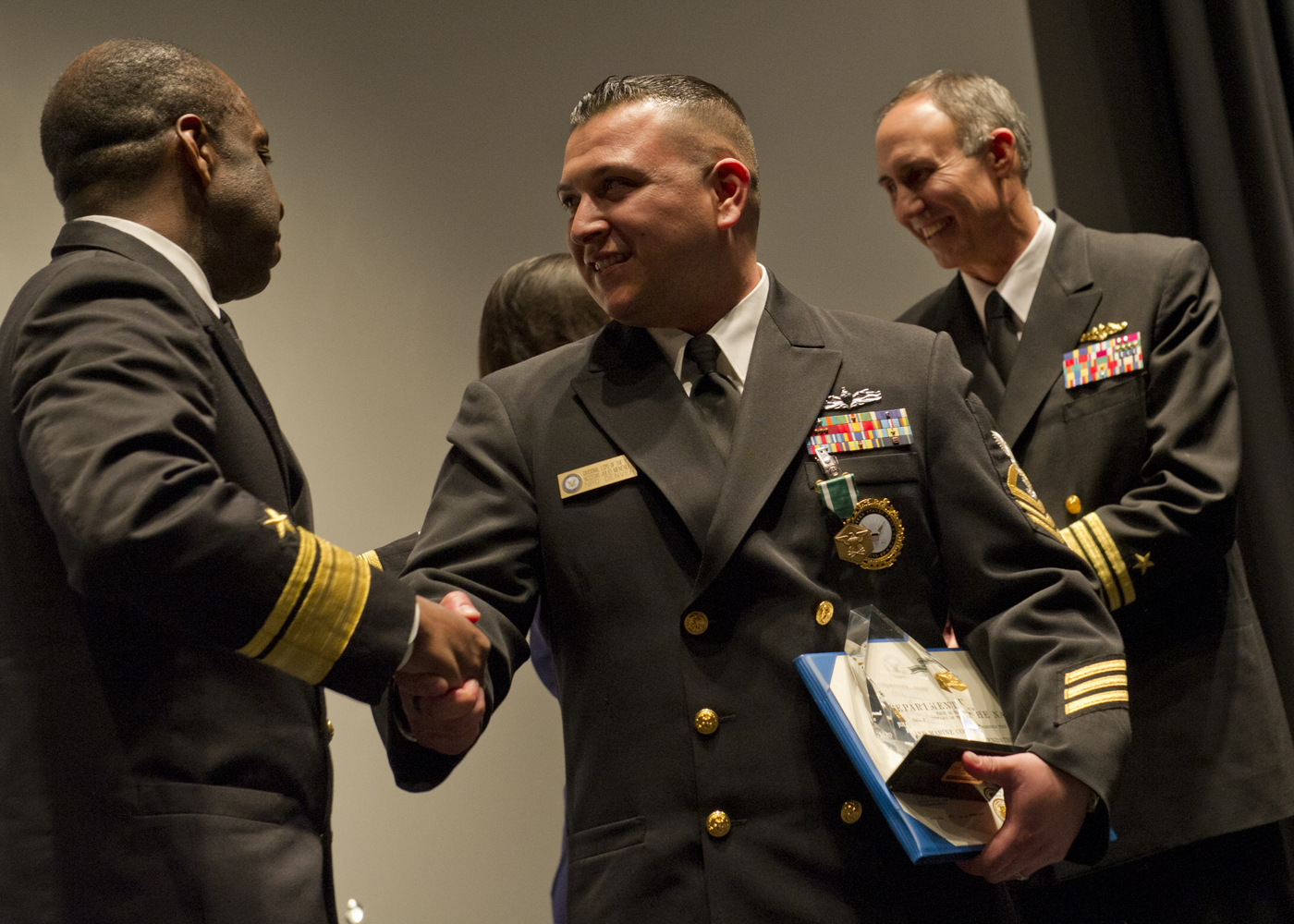 File:US Navy 120125-N-QF368-161 Chief Navy Counselor Julio ...