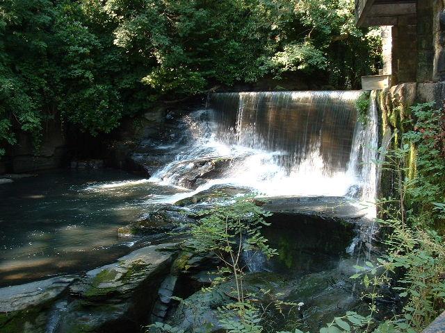Upper falls at Aberdulais - geograph.org.uk - 42388