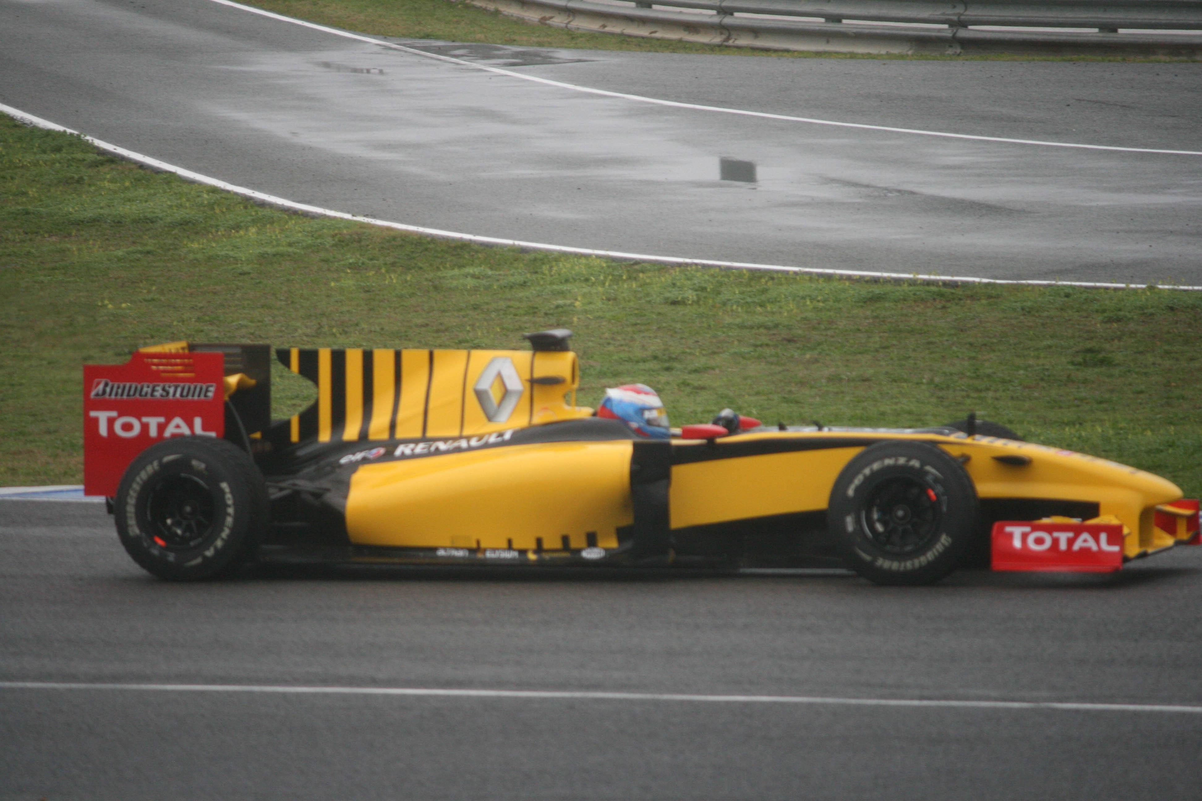 Vitaly_Petrov_2010_Jerez_test.jpg