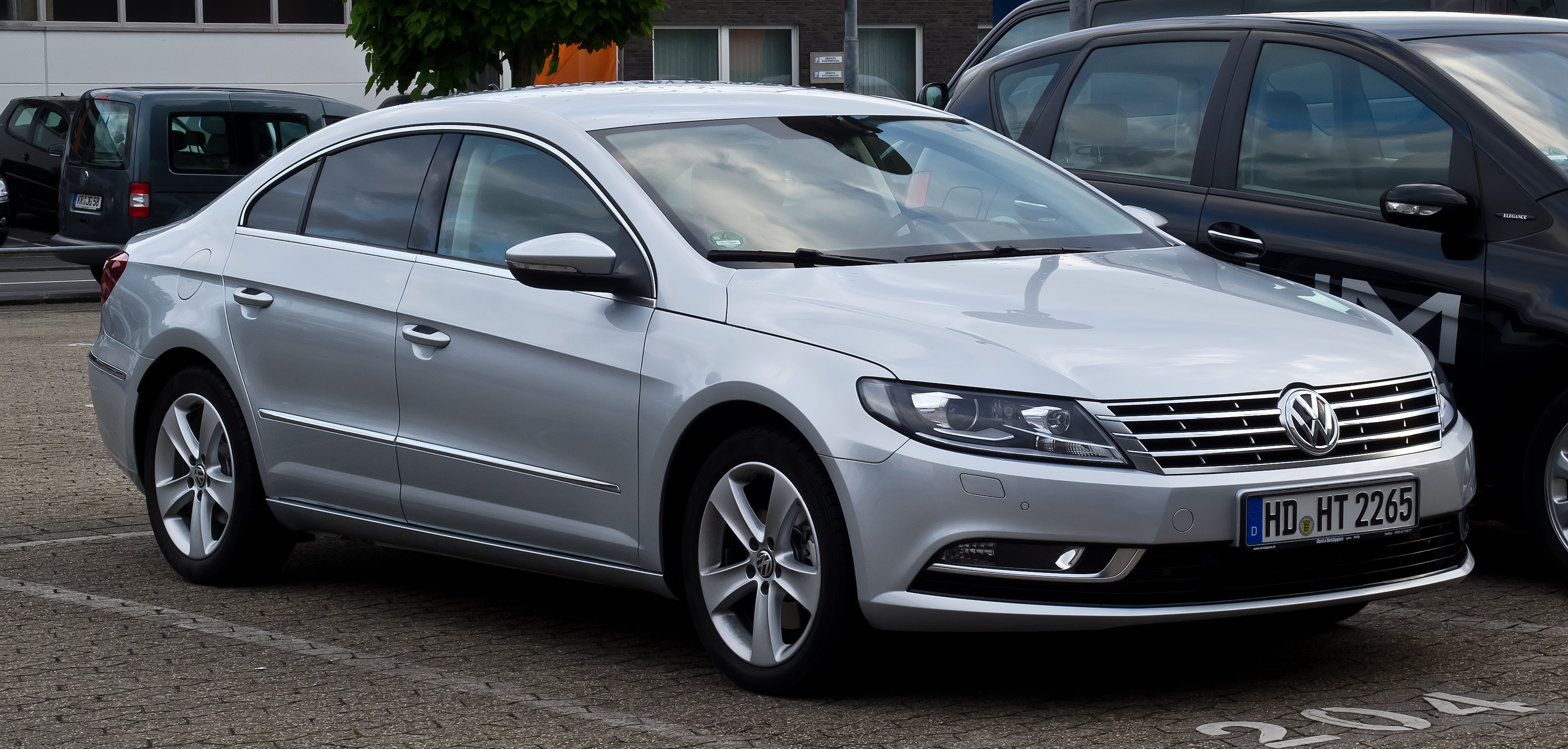 File:Volkswagen CC 2.0 TDI BlueMotion Technology (Facelift ...