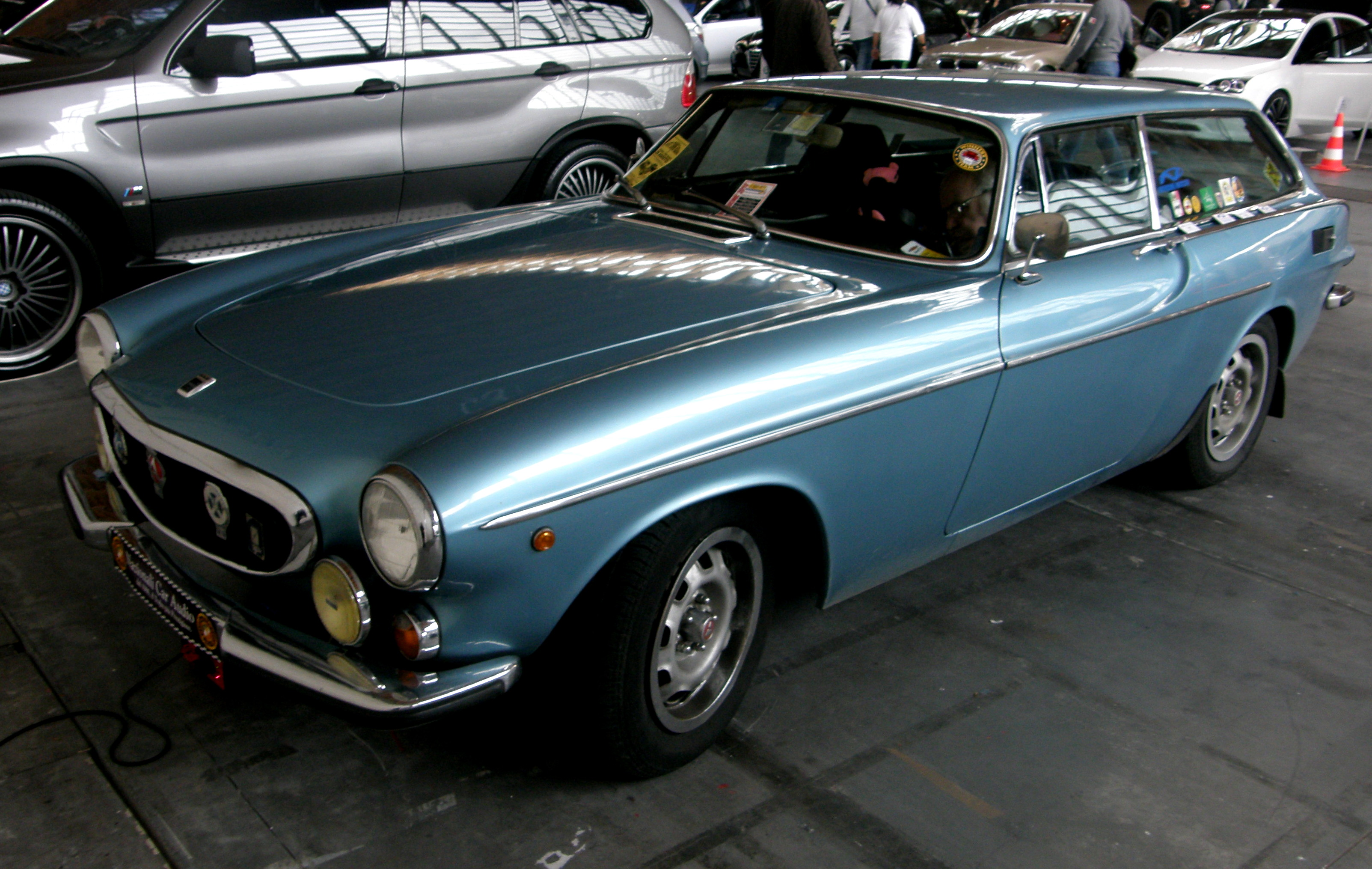 File Volvo P1800es Side View Jpg Wikimedia Commons