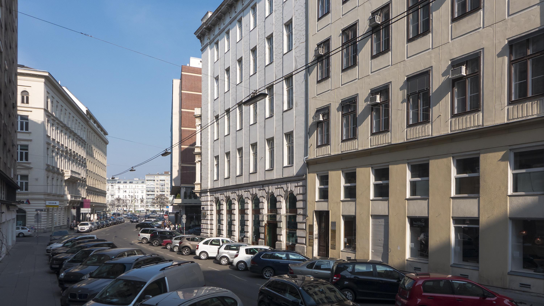 Wien 01 Salztorgasse b.jpg