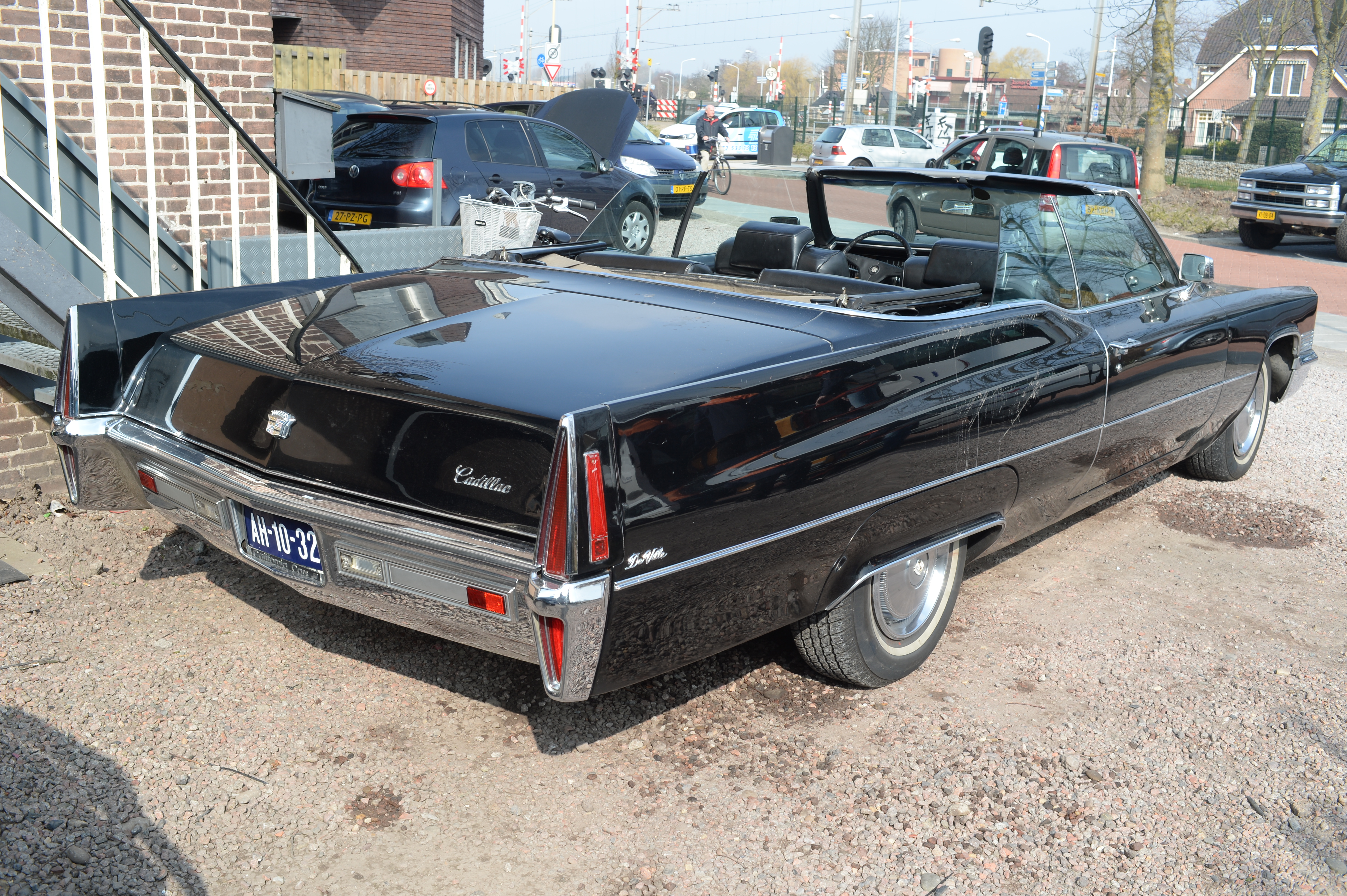 File:1970 Cadillac DeVille convertible (2) jpg - Wikimedia