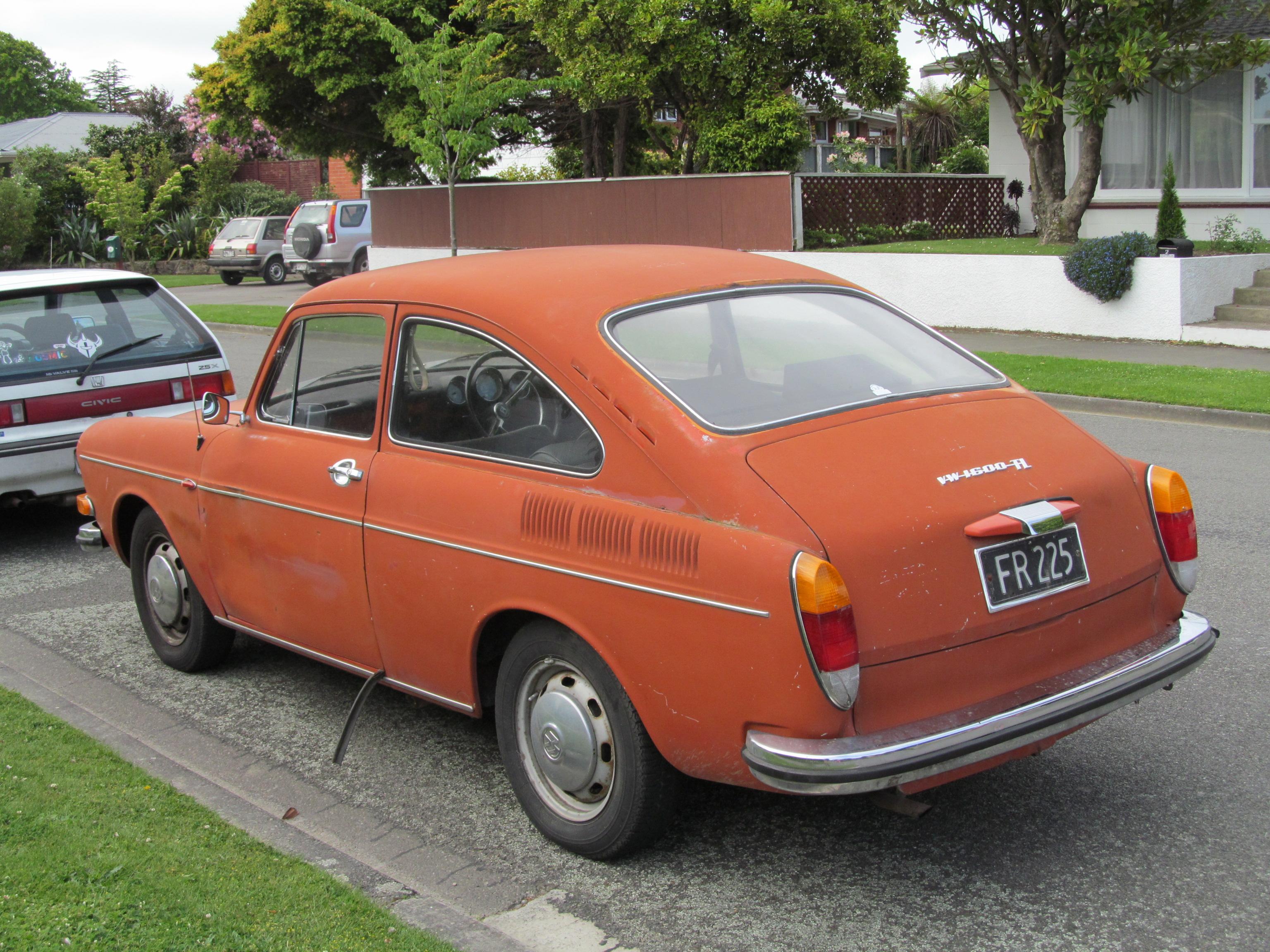 file 1971 volkswagen 1600 tl fastback 12536018123 jpg. Black Bedroom Furniture Sets. Home Design Ideas