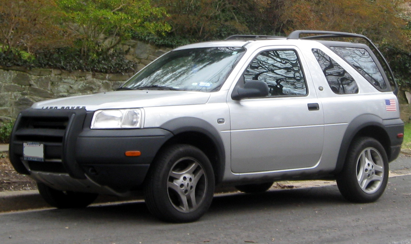 https://upload.wikimedia.org/wikipedia/commons/0/06/2002-2003_Land_Rover_Freelander_two-door_--_01-01-2012_front.jpg