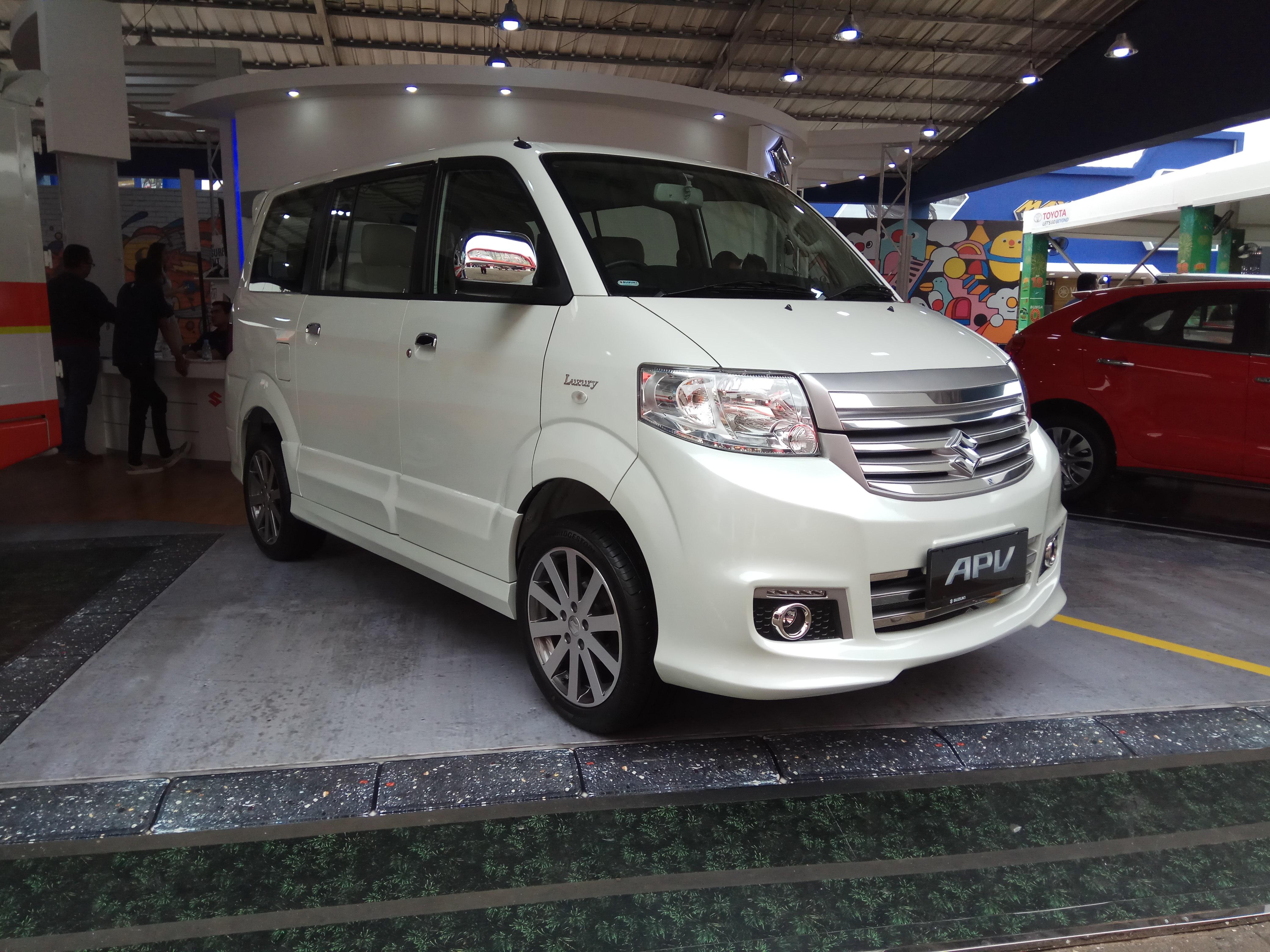 File:2019 Suzuki APV Arena Luxury, 2019 Jakarta Fair