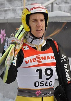Andreas Küttel Oslo 2011 (training, large hill) (cropped).jpg