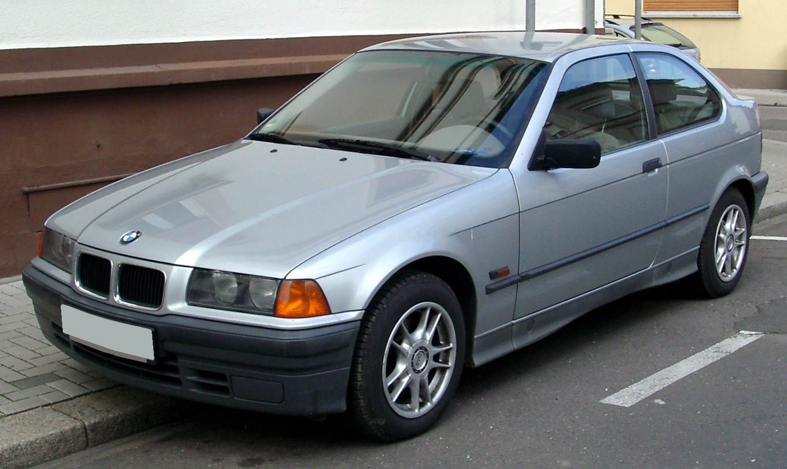 File Bmw E36 Compact Front 20080409 Jpg Wikimedia Commons