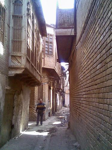 الشناشيل ... ماهي Baghdad_alley_3284841557