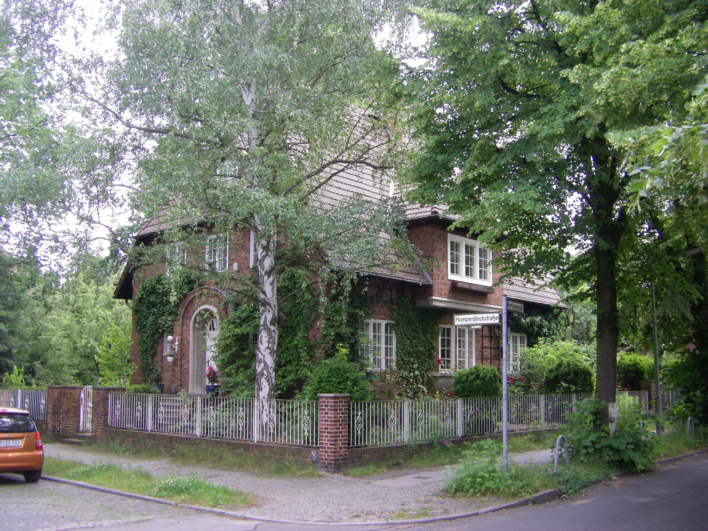 FileBerlin-Lankwitz Humperdinckstrau00dfe.JPG - Wikimedia Commons